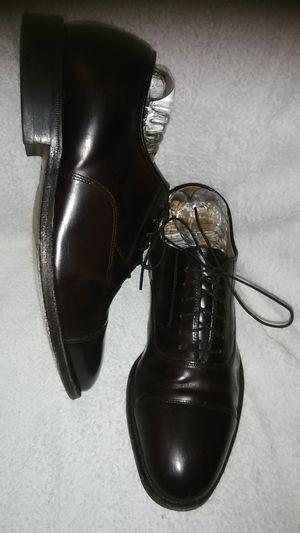 Men's size 8 Johnston & Murphy dress shoes lace up dark brown for Sale in Takoma Park, MD