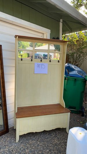 Front door seat hutch for Sale in Chico, CA
