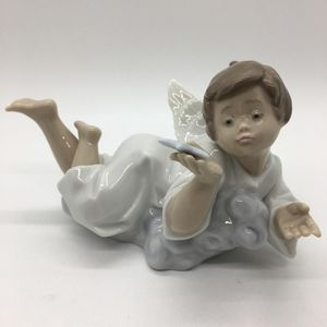 Retired Lladro Figurine Angel #5725 Making A Wish Upon a Star for Sale in Chicago, IL