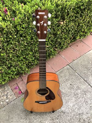 Yamaha FG-700S Full Size Acoustic Guitar Used like new Excellent condition for Sale in Fremont, CA