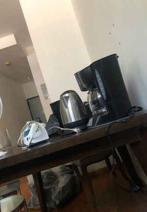 Kettle, coffee maker/$5 for Sale in New York, NY