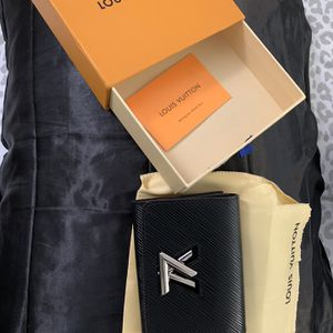 Louis Vuitton wallet for Sale in Pompano Beach, FL
