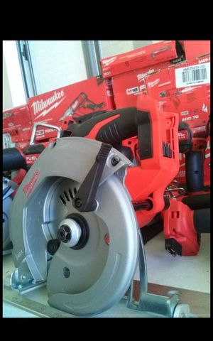 MILWUAKEE M18 CORDLESS 6-1/2 CIRCULAR SAW TOOL ONLY BRAND NEW TOOL ONLY for Sale in San Bernardino, CA