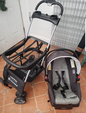 Graco Snap n Go baby seat and stroller for Sale in Woodbury, NJ