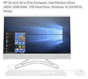 HP 24 inch desktop computer windows 10 for Sale in Brooklyn, NY