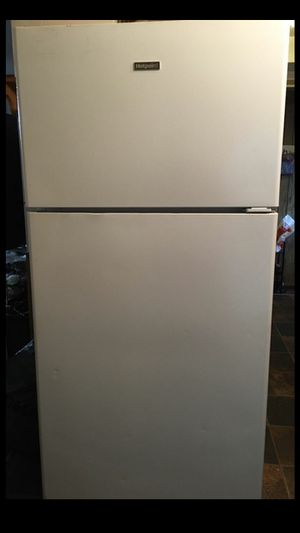 TODAY ONLY !!! Hotpoint refrigerator for Sale in Cleveland, OH