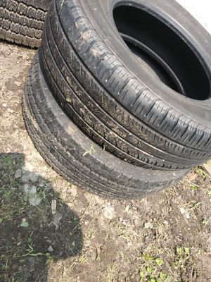 To 215 70 15 tires not matching had them extra for a trailer for Sale in Warren, MI