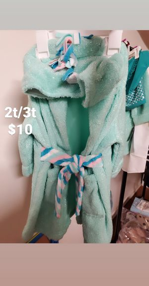 Girl bath robe for Sale in Los Angeles, CA