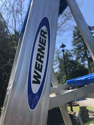 8 foot aluminum ladder for Sale in Roswell, GA