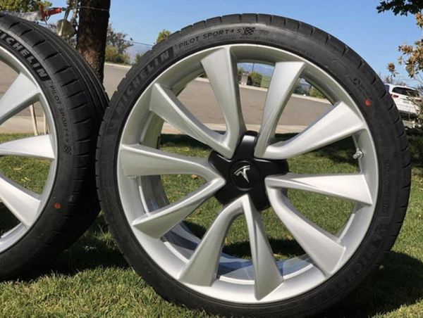"Tesla Model 3 19"" Sport Wheels and Tires"