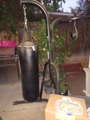 Punching bag and speed bag for Sale in Moreno Valley, CA
