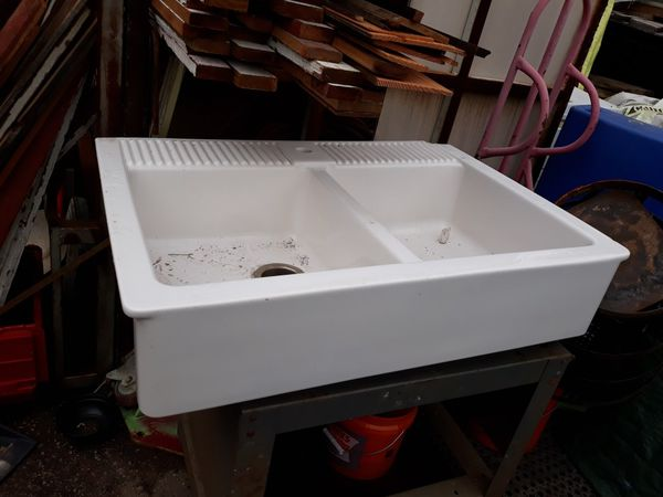 Farmhouse kitchen sink by Ikea