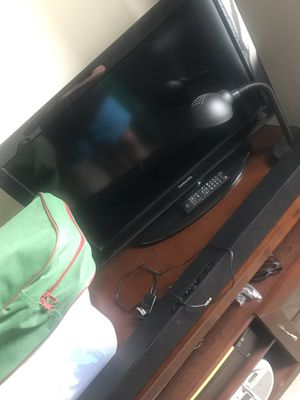 32 inch tv and sound bar for Sale in Glen Burnie, MD