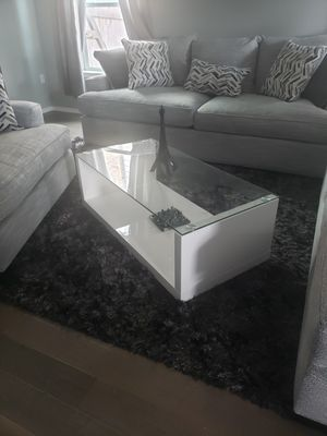 Bookcase, coffee table and end table white glossy for Sale in Pflugerville, TX