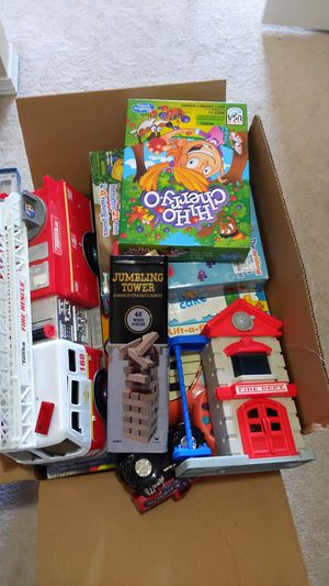 Box of toys, puzzles, piano, games for Sale in Bothell, WA