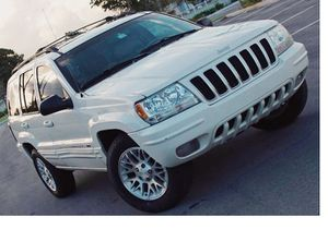 Low Price 2004 Jeep Grand Cherokee AWDWheels for Sale in Nashville, TN