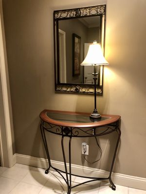 Table, Mirror, Lamp Combo for Sale in Mableton, GA