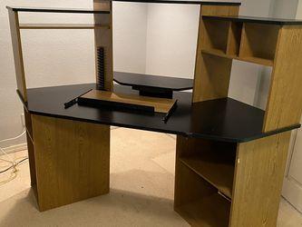 "Corner Desk Unit - 4'3"" X 4'3"". 4'6"" Tall for Sale in Federal Way,  WA"
