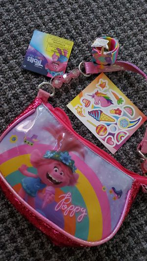 New trolls hang bag with snap on wristband & free sticker sheet for Sale in The Bronx, NY