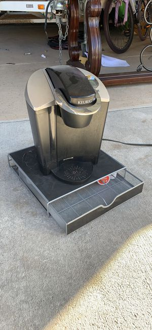 Keurig and k-cup drawer for Sale in Wellington, CO