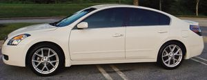 DELUXE BLACK 2007 Nissan Altima **WITH TURBO** for Sale in Grand Rapids, MI