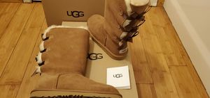Bailey bows UGG boots size 6 and 7 in women. for Sale in Paramount, CA
