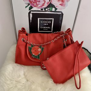 Chanel Authentic Camellia Accordion Flap Shoulder Bag for Sale in Hudson, NH