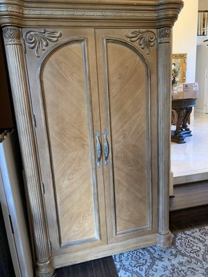 Bernhardt armoire with mirrored door 2 shelves and 3 drawers for Sale in Woodinville, WA