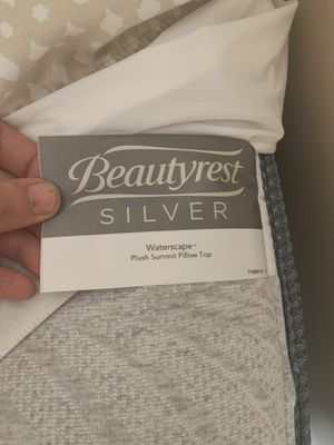 Beautyrest Silver Waterscape Plush summit Pillow top for Sale in Sterling, VA