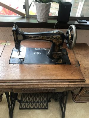 Singer sewing Machine. 1920-1930. for Sale in Everett, WA