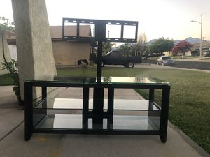 Tv Stand with Tv Mount for Sale in Chino, CA
