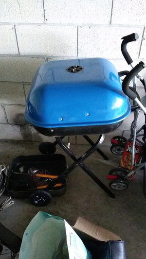 Barbecue Grill free until 2pm for Sale in Fort Lauderdale, FL