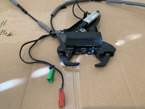 CADILLAC XLR LOCKING FRONT ROOF LATCH OEM for Sale in Chula Vista, CA
