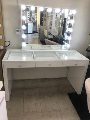 MAKEUP VANITY EASY FINANCING AVAILABLE for Sale in Chino, CA