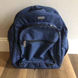 Okkatots travel diaper backpack for Sale in Charlotte, NC