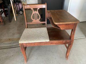 Desk for Sale in Hesperia, CA