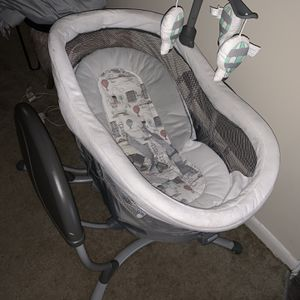 Bassinet And Swing for Sale in Baltimore, MD