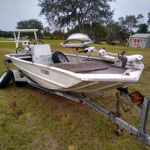 "16"" Flat Aluminum Boat 40hp Johnson for Sale in Lake Wales, FL"