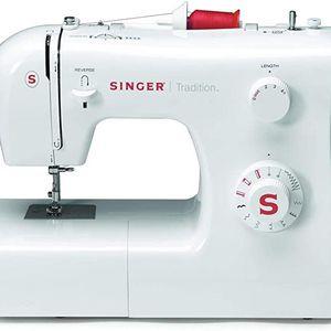 Singer Sewing Machine Maquina De Coser de 10 Stich Puntadas 2250 for Sale in Miami, FL