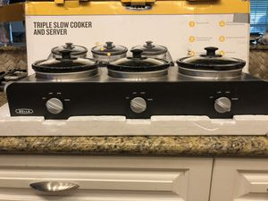 Bella Triple Slow Cooler & Server Crock Pot for Sale in Houston, TX