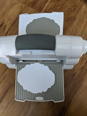 Sizzix fold away die cutting machine only for Sale in Mesa, AZ
