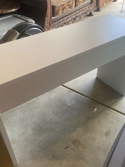 White Desk for Sale in Happy Valley,  OR