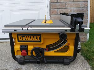 DEWALT DWE7480 15 Amp 10 in. Compact Job Site Table Saw with Site-Pro Modular Guarding System, LIKE NEW for Sale in Lake Stevens, WA