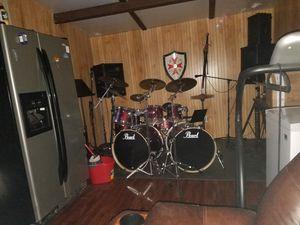 Pearl drum kit with Zildjian Cymbals for Sale in Abilene, TX