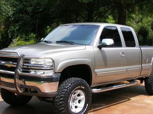Price$1OOO Silverado 2000 for Sale in Garland, TX