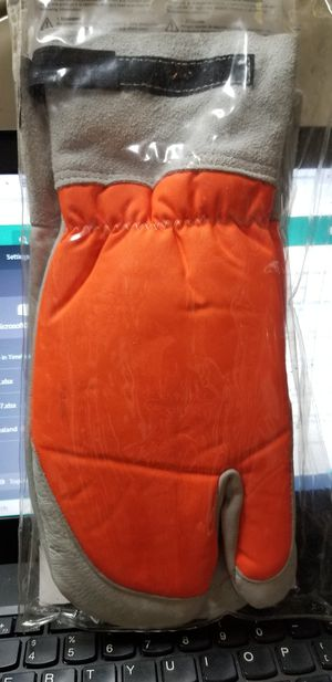 STIHL Chainsaw Protective Mitt for Sale in Hollywood, FL