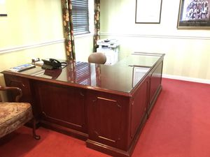 Reception desk with glass top for Sale in Pittsburgh, PA