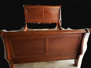 Queen size sleigh bed frame for Sale in Chino, CA
