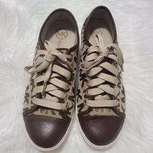 Michael Kors Signature Logo Shoes Size 7.5 M for Sale in Kenner, LA