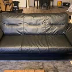 Leather Couch for Sale in Belleville,  IL